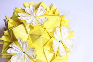 黄色い折り紙のクローズアップの写真・画像素材[3129185]