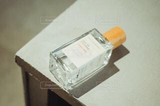 手,香水,人物,人,ボトル,化粧品,フレグランス,香り,ラベル,消毒液