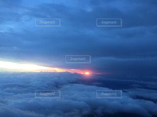 富士山頂からの日の出の写真・画像素材[3088170]