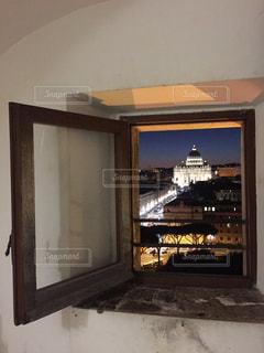 夜のバチカン市国をサンタンジェロ城からの写真・画像素材[3091316]