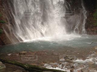 滝と水しぶきの写真・画像素材[3096839]