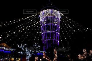 紫色の光の写真・画像素材[3090479]