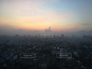 目覚め始める街の写真・画像素材[3101187]