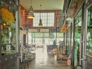 とある町のカフェの写真・画像素材[3110920]