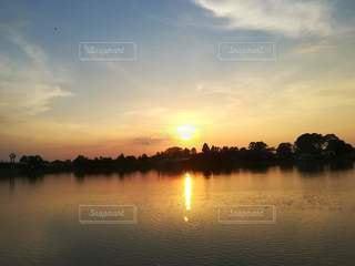 沈む太陽の写真・画像素材[3394404]