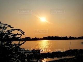 暑い国の夕日の写真・画像素材[3394416]