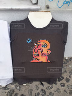 シュールなTシャツの写真・画像素材[3097416]