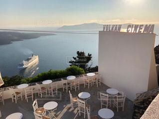 サントリーニ島のカフェの写真・画像素材[3097454]