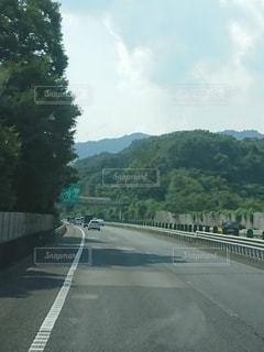助手席からの高速道路の写真・画像素材[3106120]