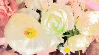 優しい白のブーケ、花束の写真・画像素材[3108784]