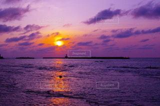 日本海の夕暮れの写真・画像素材[3120005]