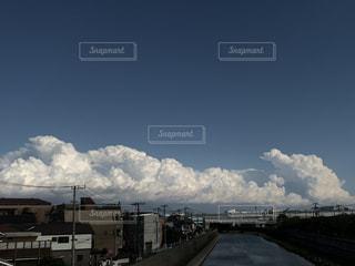 迫力ある曇の写真・画像素材[3257727]