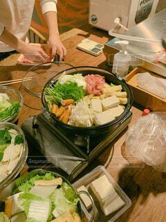 お鍋を囲んでの写真・画像素材[4020167]