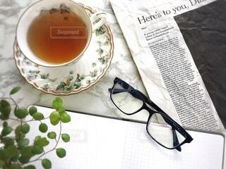テーブルの上に紅茶を一杯入れるの写真・画像素材[3652578]