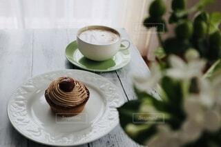 モンブランとカフェオレの写真・画像素材[3838759]