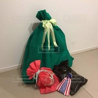 クリスマスプレゼントの準備の写真・画像素材[3967331]