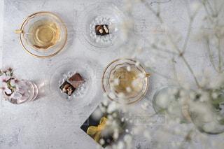 桜,かすみ草,お花見,リラックス,食器,チョコレート,紅茶,器,テーブルフォト,おうちカフェ,ドリンク,おうち,ライフスタイル,おうち時間,おうちて過ごそう
