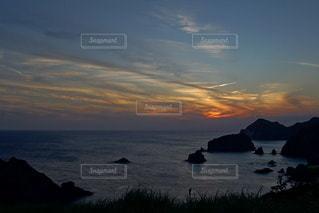 海に沈む美しい夕陽の写真・画像素材[3440132]