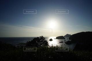 伊豆石廊崎海に沈む美しい夕陽の写真・画像素材[3440162]