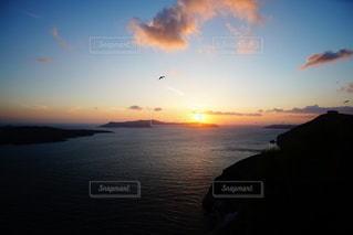 海に沈む美しい夕陽 サントリーアイランド ギリシャの写真・画像素材[3441484]