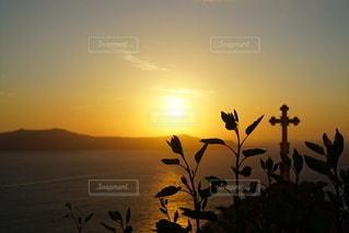 海に沈む美しい夕陽 サントリーアイランド ギリシャの写真・画像素材[3441485]