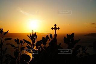 海に沈む美しい夕陽 サントリーアイランド ギリシャの写真・画像素材[3441487]