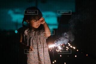 花火の煙の写真・画像素材[4663431]