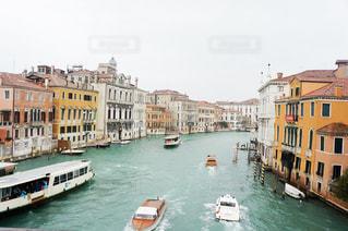 イタリアの運河の写真・画像素材[3135338]