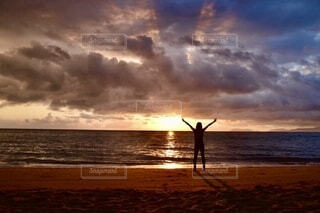 自然,海,空,屋外,太陽,朝日,ビーチ,雲,砂浜,水面,海岸,正月,お正月,日の出,新年,初日の出