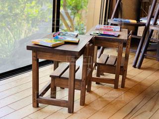 木製のテーブルの写真・画像素材[3137499]