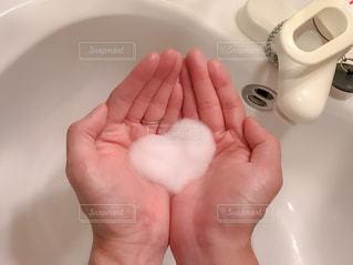 手洗いに愛をの写真・画像素材[3216118]