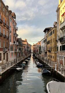風景,ボート,水路,景色,イタリア,午後,ヴェネチア,運河,真っ直ぐ,曇空,昼下り