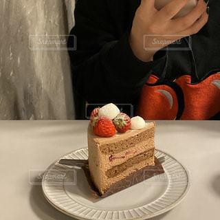 私とケーキの写真・画像素材[3151975]