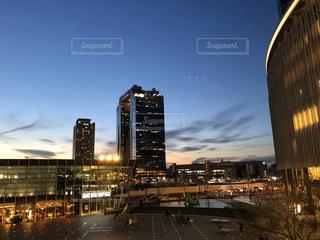 夜の都市の眺めの写真・画像素材[3154475]