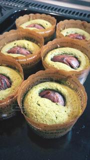 栗の渋皮煮の抹茶ケーキの写真・画像素材[3810077]