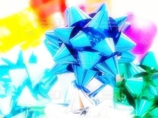 赤,カラフル,青,黄色,部屋,プレゼント,リボン,贈り物,ブルー,テーブルフォト,明るい,カラー,感謝,メタル,りぼん,ラッピング