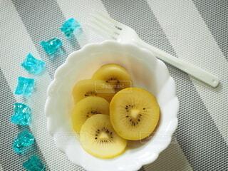キウイフルーツを召し上がれ(3)の写真・画像素材[4819887]