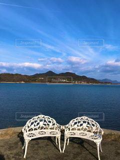 椅子のカップルの写真・画像素材[3155505]