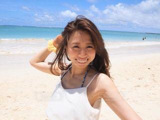 女性,海,空,ビーチ,晴れ,砂浜,水着,海岸,人,笑顔,ハワイ,日中