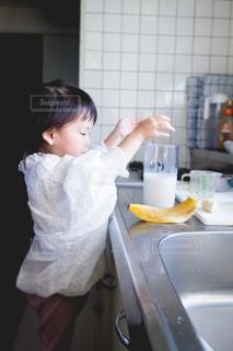 ジュース,果物,こども,スムージー,牛乳,娘,フレッシュジュース,バナナ