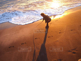 浜辺で遊ぶの写真・画像素材[3209508]