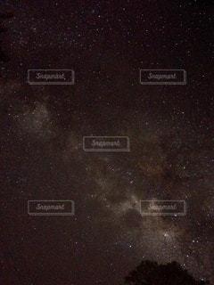 満天の星の写真・画像素材[3385579]