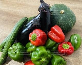 食べ物,野菜,かぼちゃ,食品,ピーマン,緑黄色野菜,新鮮,食材,茄子,赤ピーマン,フレッシュ,とれたて,ベジタブル,きゅうり,青ピーマン
