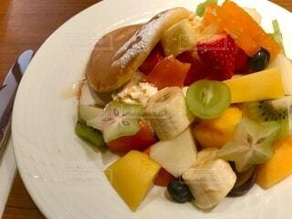 フルーツパンケーキの写真・画像素材[3877871]