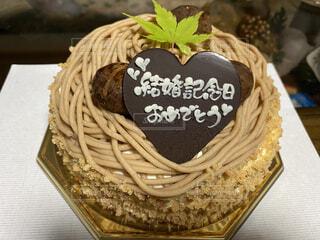 モンブランのホールケーキの写真・画像素材[3877883]