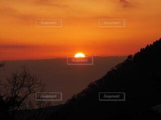 自然,風景,空,屋外,太陽,朝日,山,オレンジ,正月,朝,お正月,日の出,早朝,新年,初日の出
