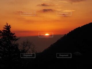 自然,風景,屋外,太陽,朝日,山,オレンジ,正月,朝,お正月,日の出,早朝,新年,初日の出