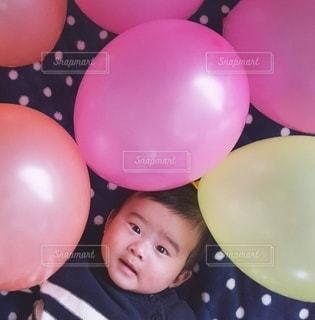 子ども,ピンク,風船,赤ちゃん,誕生日,男の子,ドット,カラー,color,birthday,ビビット,balloon