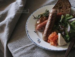 食べ物,食事,テーブル,皿,肉,料理,ソーセージ,ブランチ,朝ご飯