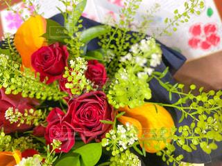 花,花束,バラ,カラー,色紙,ナズナ,ルスカス,タラスピ